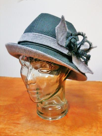 Lela s hat cv
