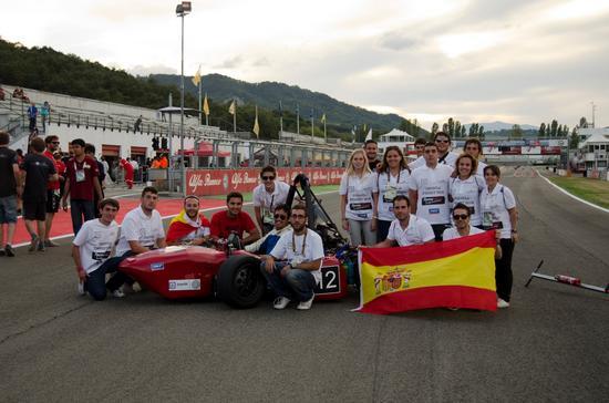 8.  veh culo en la competici n   equipo completo en formula sae italy 2013 cv
