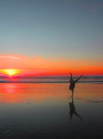 Sunset handstand cv