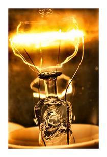 Candlessence13x19 cv