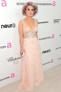 Kelly osbourne in sue wong cv