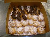 Cream puffs eclairs cv