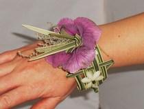Weaved wristlet cv