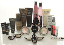 Salma hayek nuance makeup collection cv