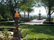Kykuit  tarrytown  ny   view from entrance 1  cv
