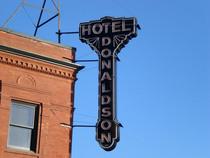 Hoteldonaldson3 cv