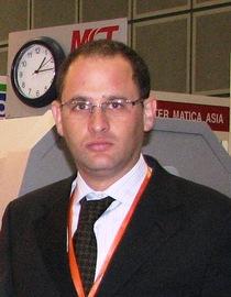 Eyal Shani