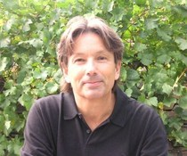 Giles Davidson
