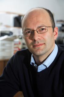 Adrian Zacher