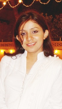 Unaiza Khan