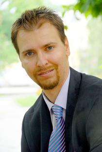 Mario Nakov