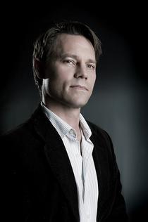 Eric D Olsen