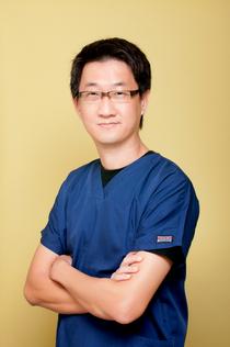 Dr. Eric Gan