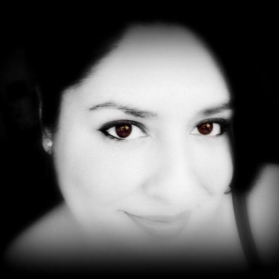 Adriana Flores