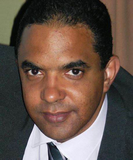 Carlos Alberto       Vigil Taquechel